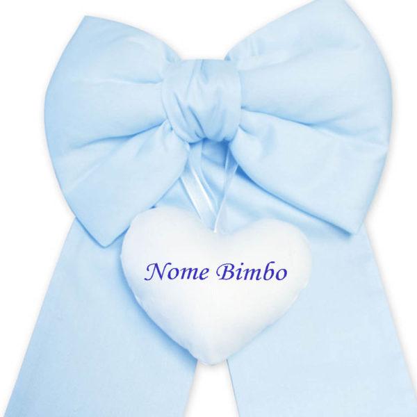 Fiocco-nascita-bimbo-azzurro-nome-ricamato-su-cuore