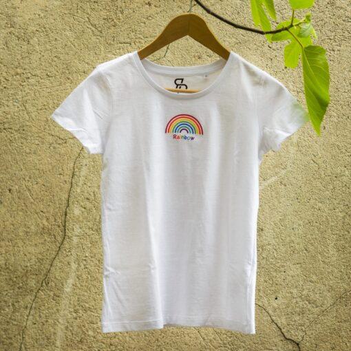 T-shirt-rainbow-ricamata-maglietta-cotone-organico-alta-qualità