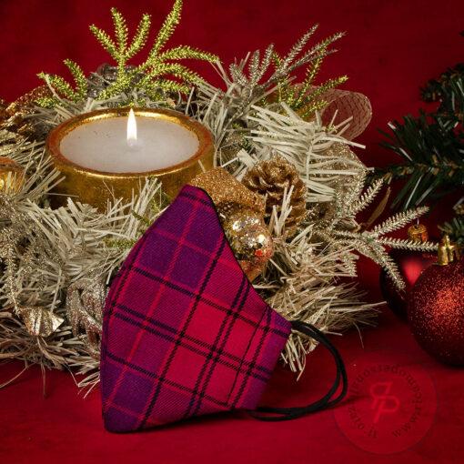 Mascherina-natale-tartan-natalizia-rosso-violetto