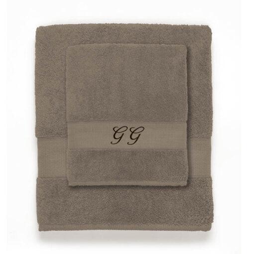 asciugamano con iniziali ricamate base neutra